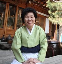 Court cuisine master Han Bok-ryo