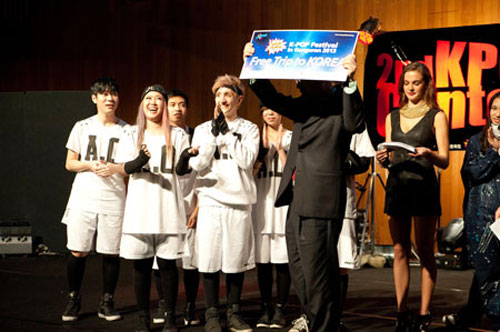"A winning team in a regional final in Australia for ""K-pop Festival in Gangwon 2013"" receive free airplane tickets to Korea on Sept. 1. They will compete with other regional winners at the festival on Sept. 28 in Wonju, Gangwon Province. / Courtesy of Visit Korea Committee"