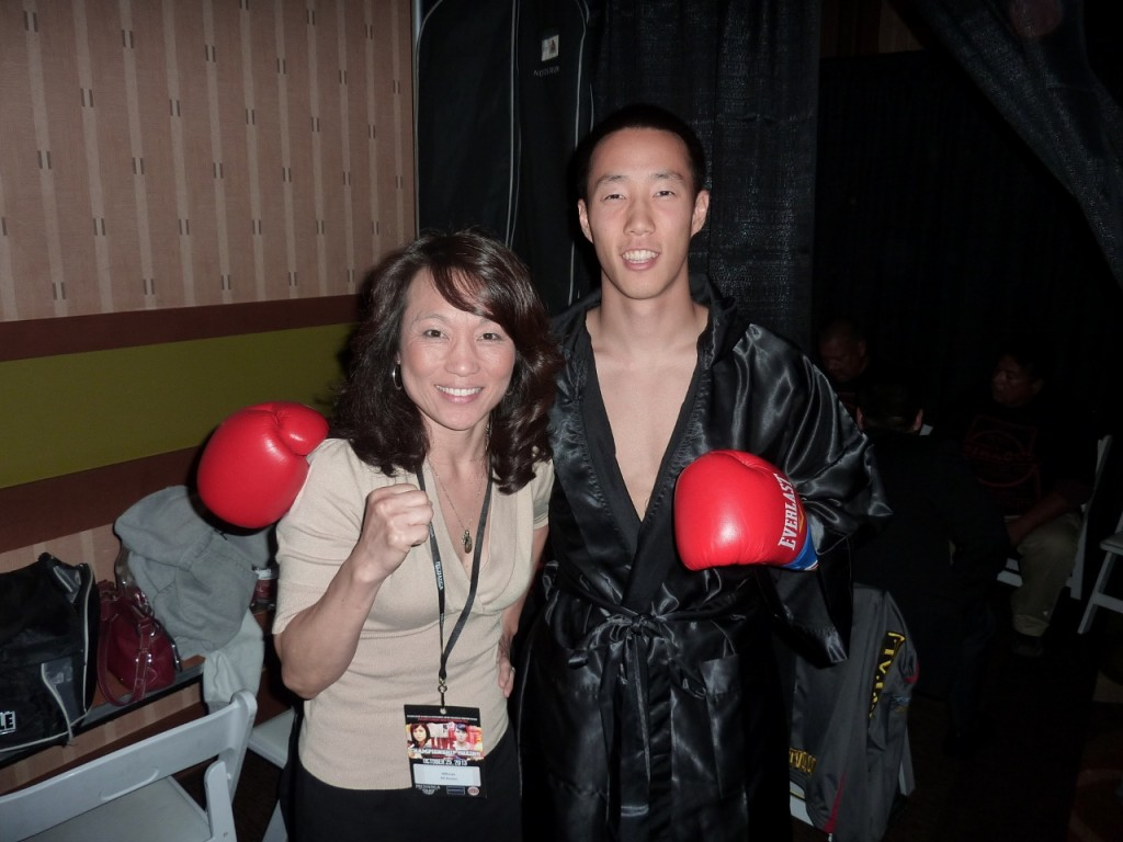 Daniel Kim posed with Kim Messer before the fight.