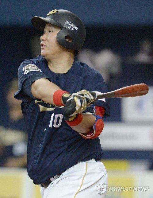 Lee finished his second season in Japan with a batting average of 0.303, while hitting 24 home runs and driving in 91 runs. (Yonhap)