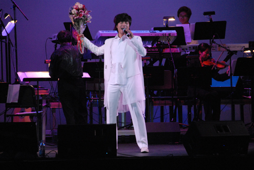 Im Tae Kyung is singing 'My Way' in his Northern California concert on September 29th.