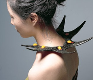 """Blooming Green Thorn,"" ottchil shoulder piece / Courtesy of Yun Sang-hee"