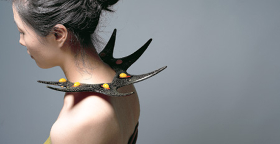 """""""Blooming Green Thorn,"""" ottchil shoulder piece / Courtesy of Yun Sang-hee"""