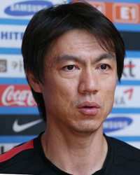 National football team manager Hong Myung-bo