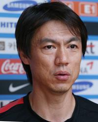 National football team manager Hong Myung-bo