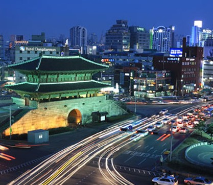 Modern day Dongdaemun night market