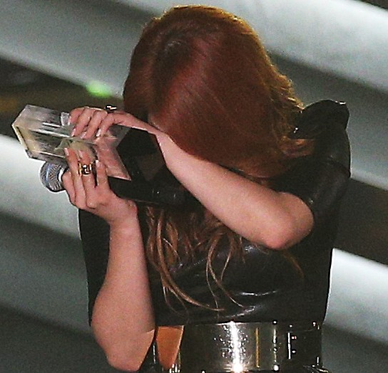 Ailee couldn't help but to get emotional. (yonhap)