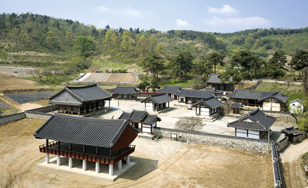 "Donam Seowon is located in Nonsan, South Chungcheong Province. The Cultural Heritage Administration (CHA) plans to propose nine ""seowon"" (Neo-Confucian academy) for inclusion on UNESCO's World Heritage list for 2015. (Korea Times file)"