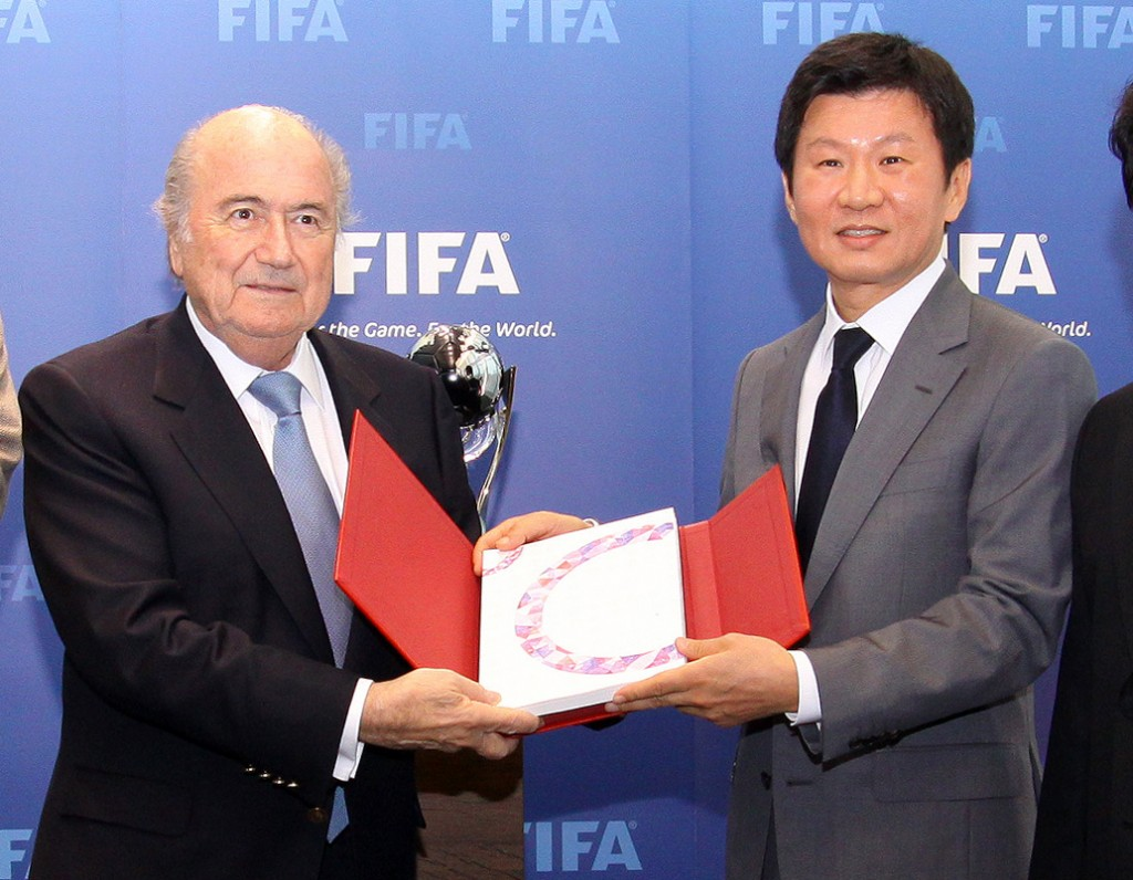 FIFA and its president Sepp Blatter has selected S. Korea as the host for 2017 U-20 World Cup .  Korean Football Association head Jung Mong-gyu, right, led the effort. (Yonhap)