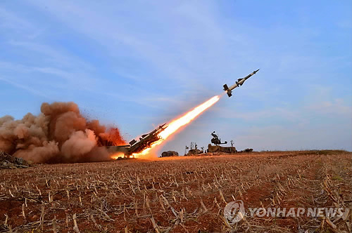 North Korean military exercise. (Yonhap)