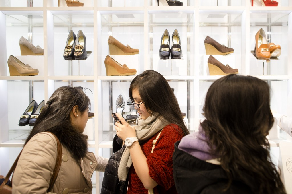 For a lot of Korean Americans, the holiday shopping season  means they are going to get a lot of calls from Korea. (AP)