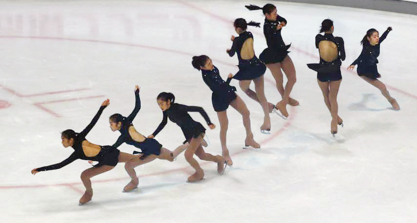 The picture is a combination of eight consecutive shots. (Yonhap)