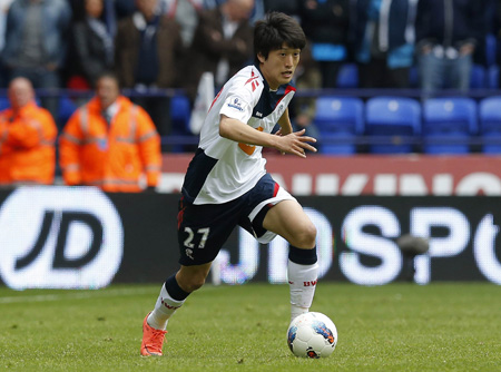 Bolton Wanderers' Lee Chung-yong is expected to be a criticial piece of the Korean attack at the World Cup in Brazil. (Korea Times file)