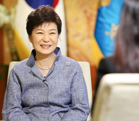 President Park Geun-hye smiles during an interview with CNN International at Cheong Wa Dae, Tuesday. (Courtesy of Cheong Wa Dae)