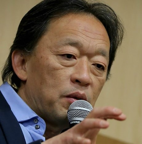 Conductor Chung Myung-whun speaks during a press conference in Seoul, Thursday. (AP-Yonhap)