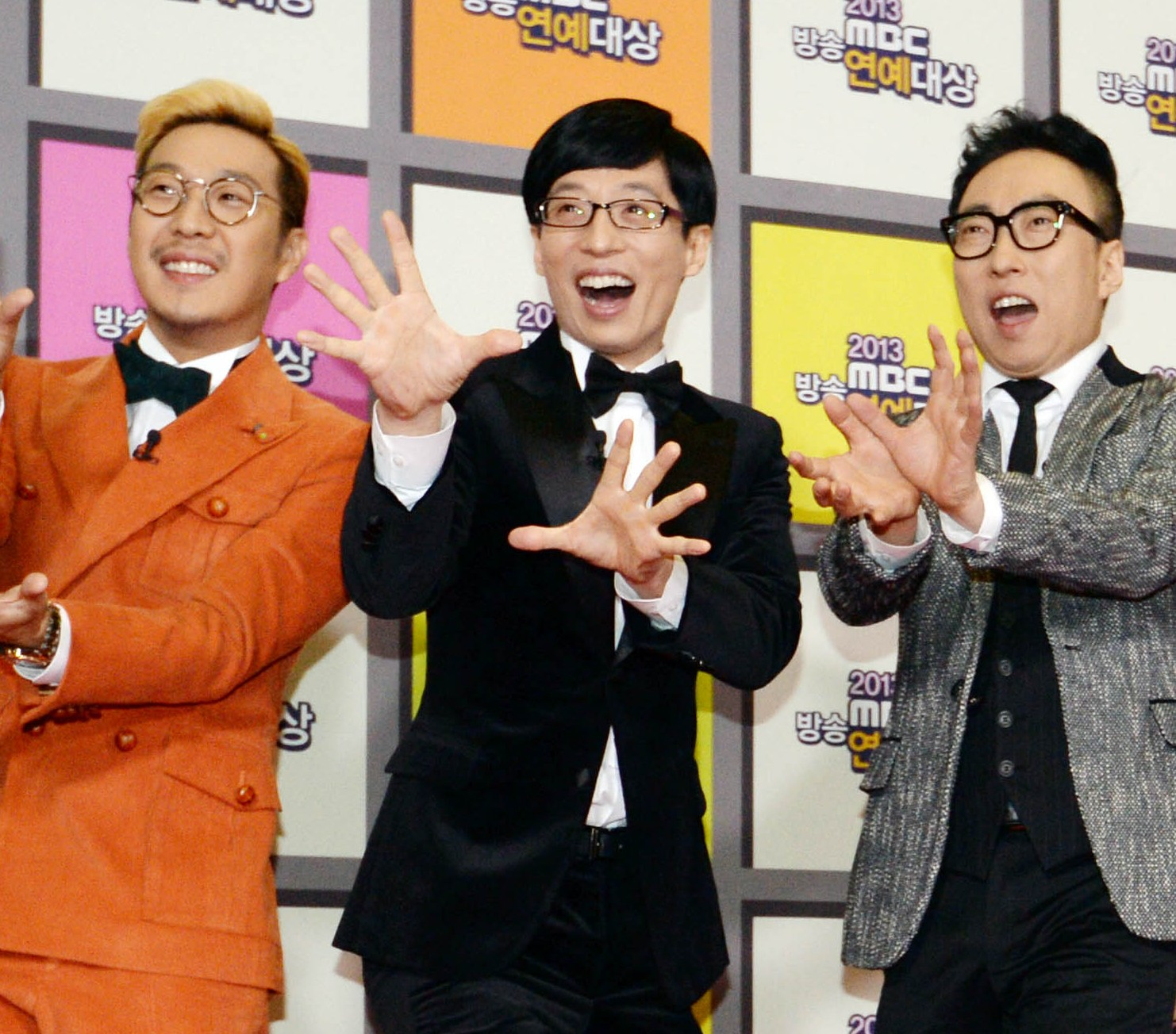 Cast of Infinite Challenge (from left) - Gil, Ha Ha, Yoo Jae-suk, Park Myeong-soo, Noh Hong-chul, Jeong Jun-ha, Jeonng Hyung-don. (Newsis)