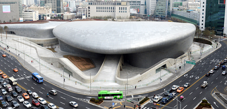 Dongdaemun Design Plaza, built on the former site of the Dongdaemun Baseball Stadium in northern Seoul, is scheduled to open to the public on March 21. (Korea Times photo by Shin Sang-soon)