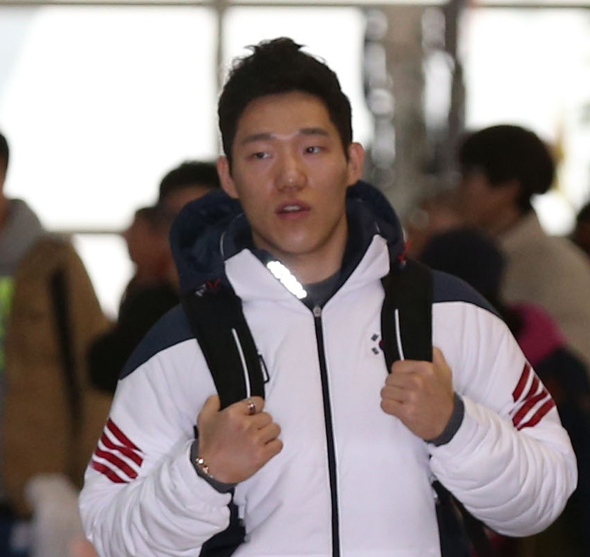 Korean athletes and officials began arriving in Sochi, Sunday. (Yonhap)