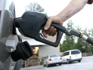 The average price for gas  has dropped for seven consecutive days. (Korea Times file)