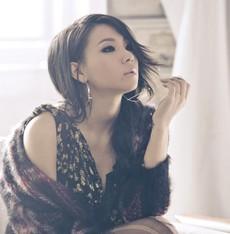 2NE1's leader CL