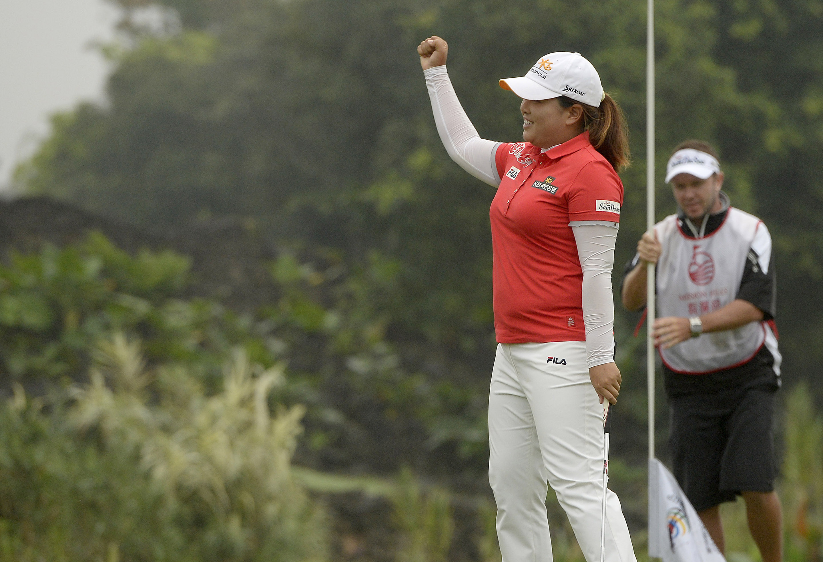 Park Inbee shot a 10-under 62 to take a commanding 3-shot lead at the LPGA Taiwan Championship. (Yonhap)