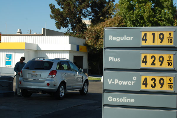L.A.'s average gas price did not go up for the first time since