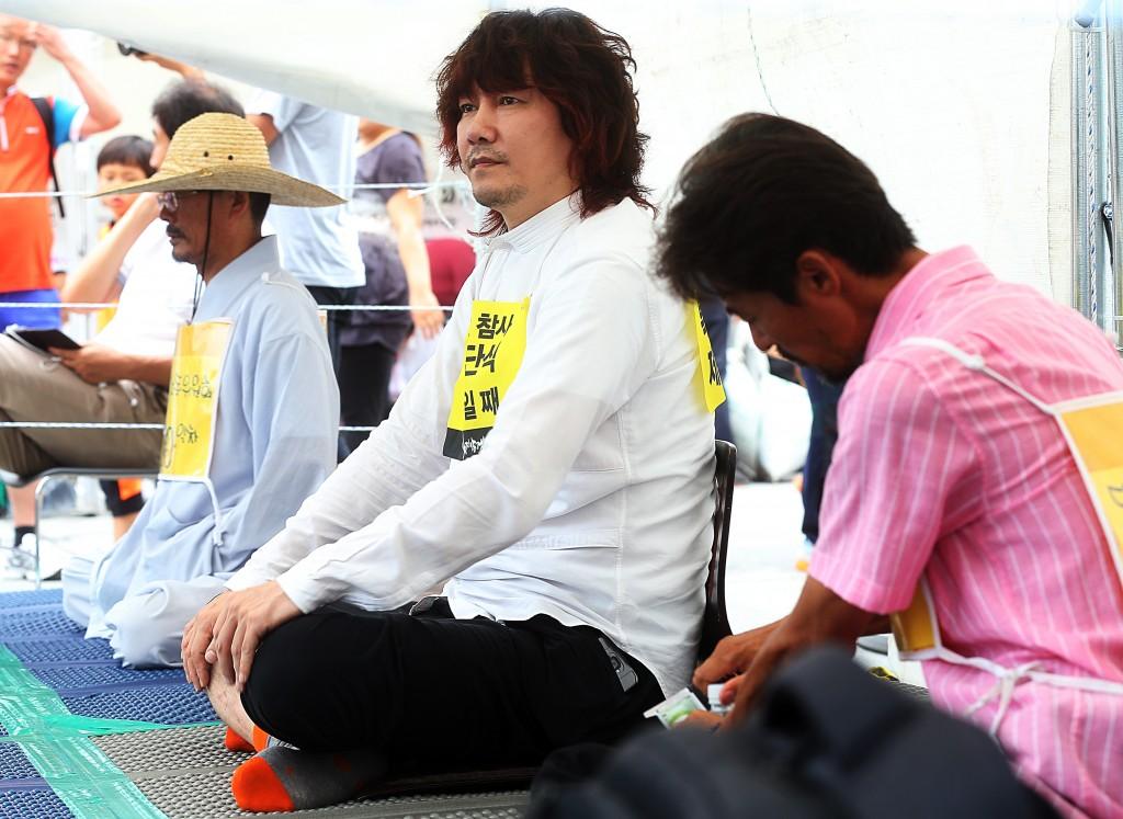 Kim plans to continue his hunger strike until Thursday. (Yonhap)