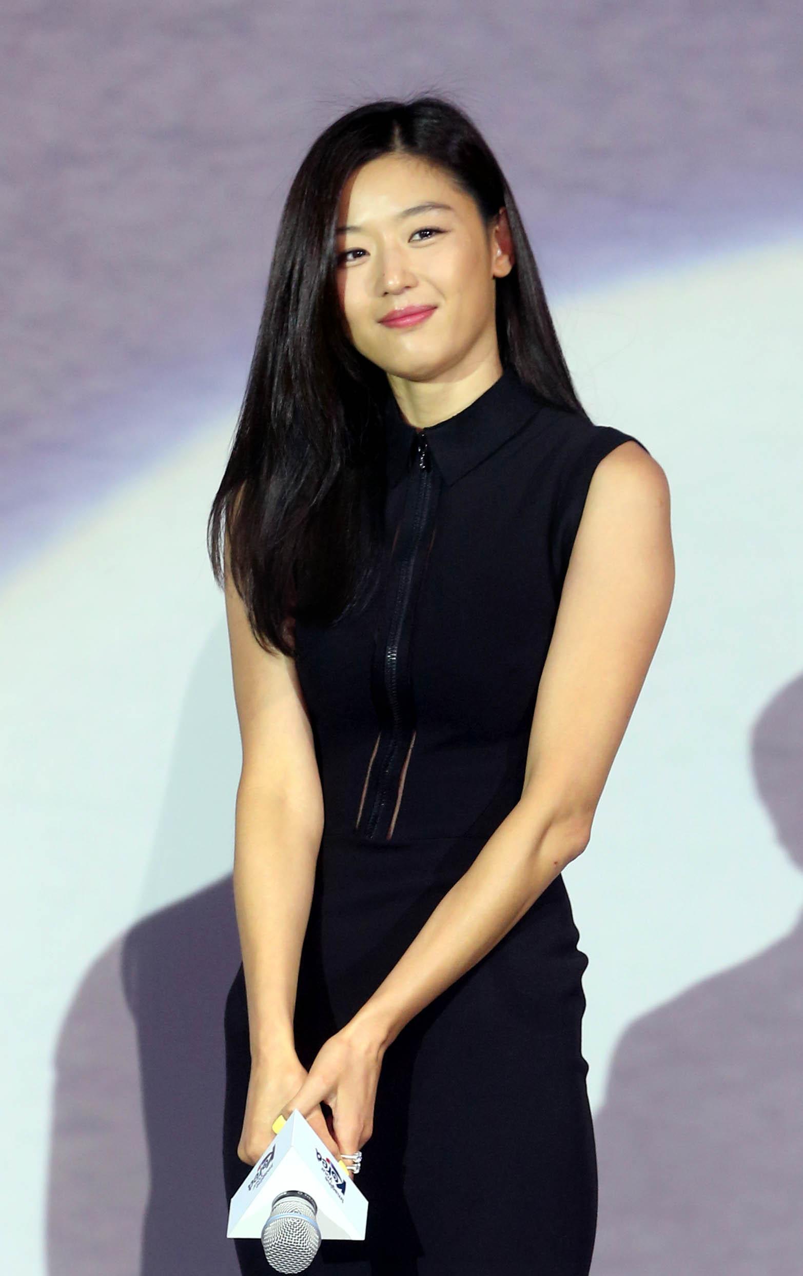 Jun Ji Hyun Korean Actress Wallpapers   HD Wallpapers   ID