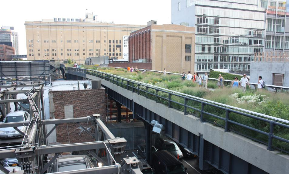 High Line Park in Manhattan, New York City . (Yonhap)