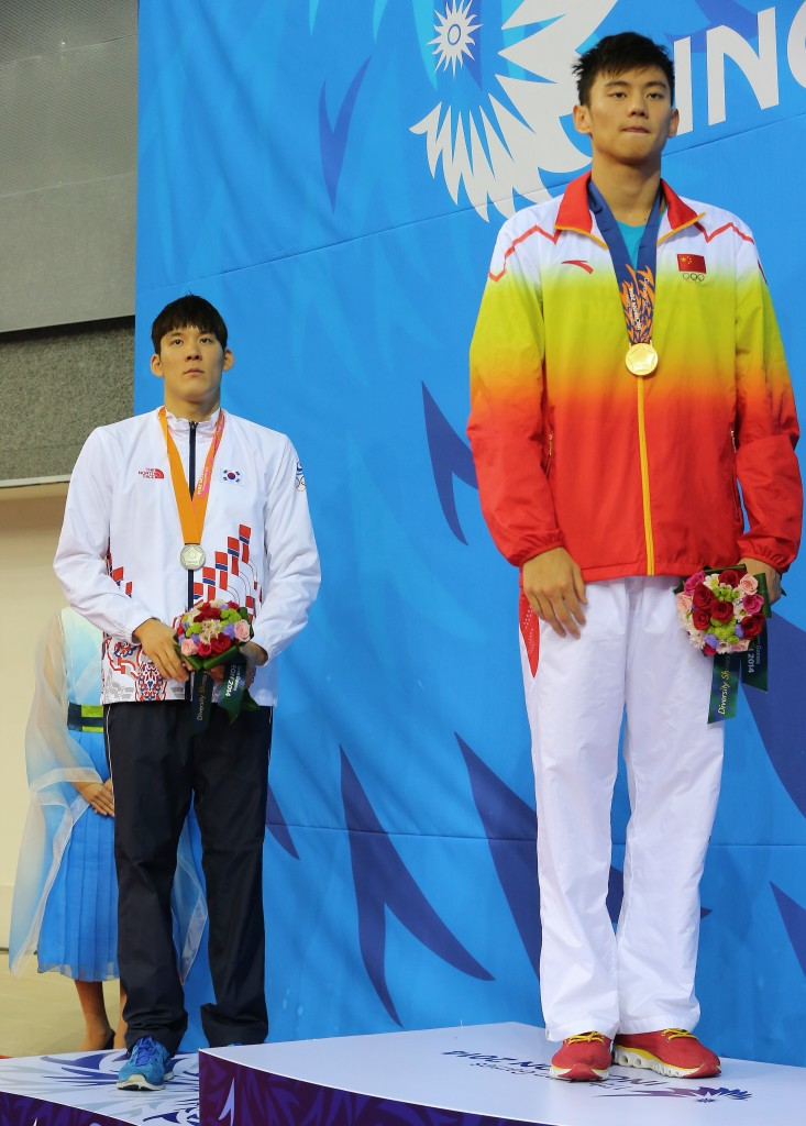 Park Tae-hwan stood behind China's Ning Zetao in 100-meters. (Yonhap)