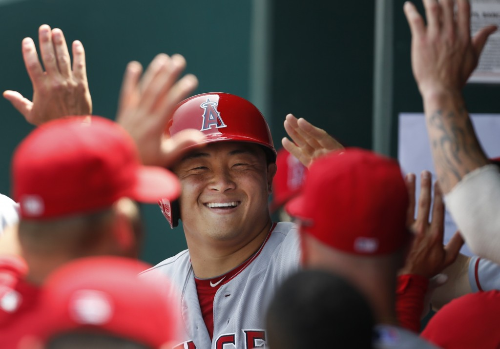 Hank Conger has a reason to celebrate. (Korea Times file)
