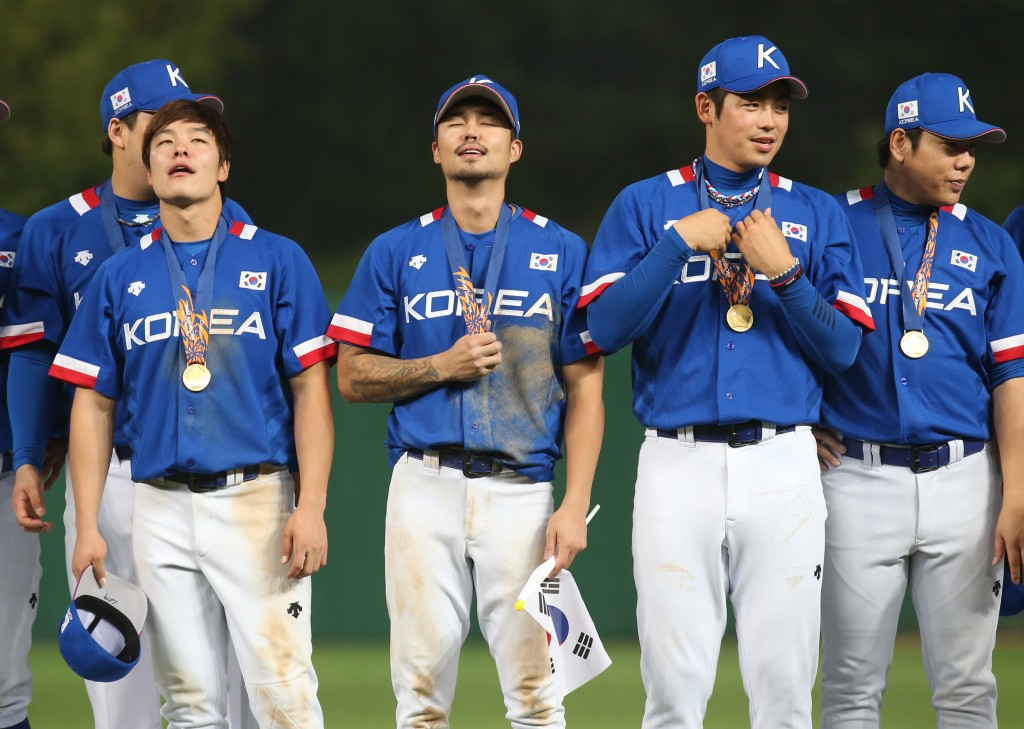 South Korean players had a good reason to look so relieved. (Yonhap)