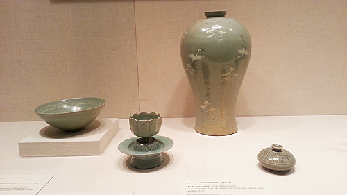Korean ceramics included in Jung's collection.