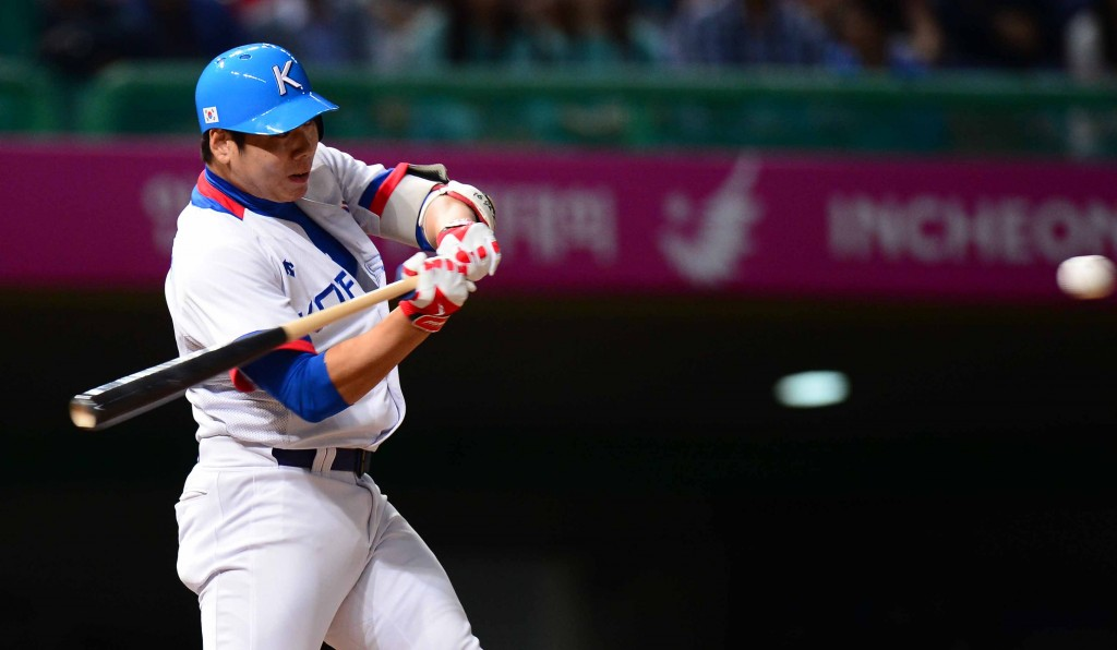 Kang Jung-ho will be eligible to sign to an MLB team after the 2014 season is over.