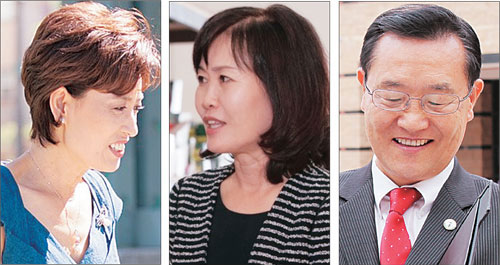 Left to right: Young Kim, Michelle Park Steel, Choi Seok-ho