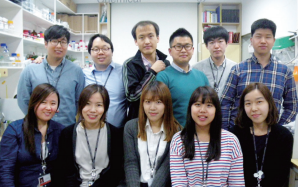 Dr. Kim Young-soo and his team (Courtesy of KIST)