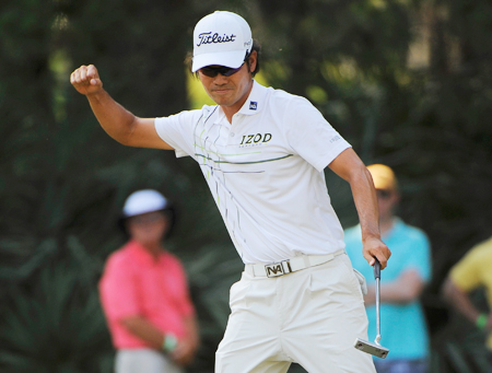 Despite going through some alleged personal difficulties, Kevin Na still pulled through with a safe 1-under 71. (Yonhap)