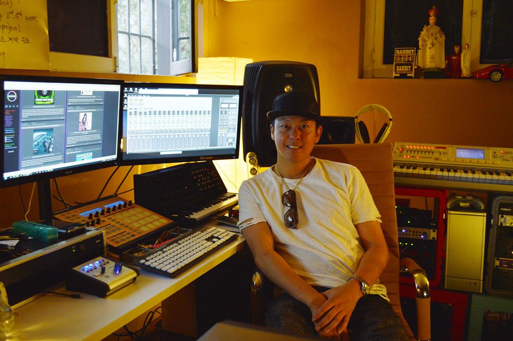 Glen Choi inside a Los Angeles studio. (The Korea Times)