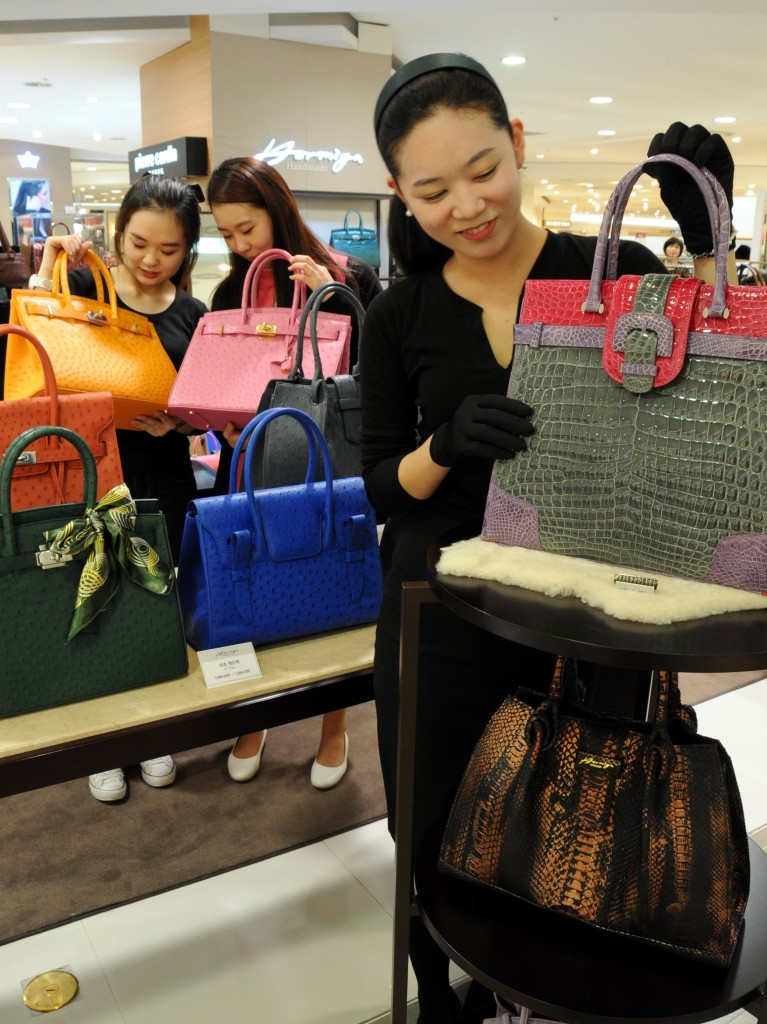 The retail prices of imported products were found to be excessively high compared with the import price. (NEWSis)