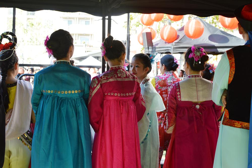 Korean folk dancers prepared to perform at Americana at Brand Sunday. (Tae Hong/Korea Times)
