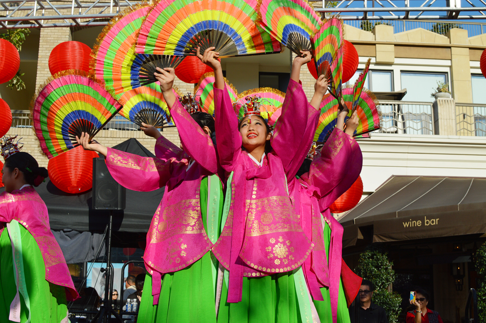 Lunar New Year festivities light up Americana at Brand ...