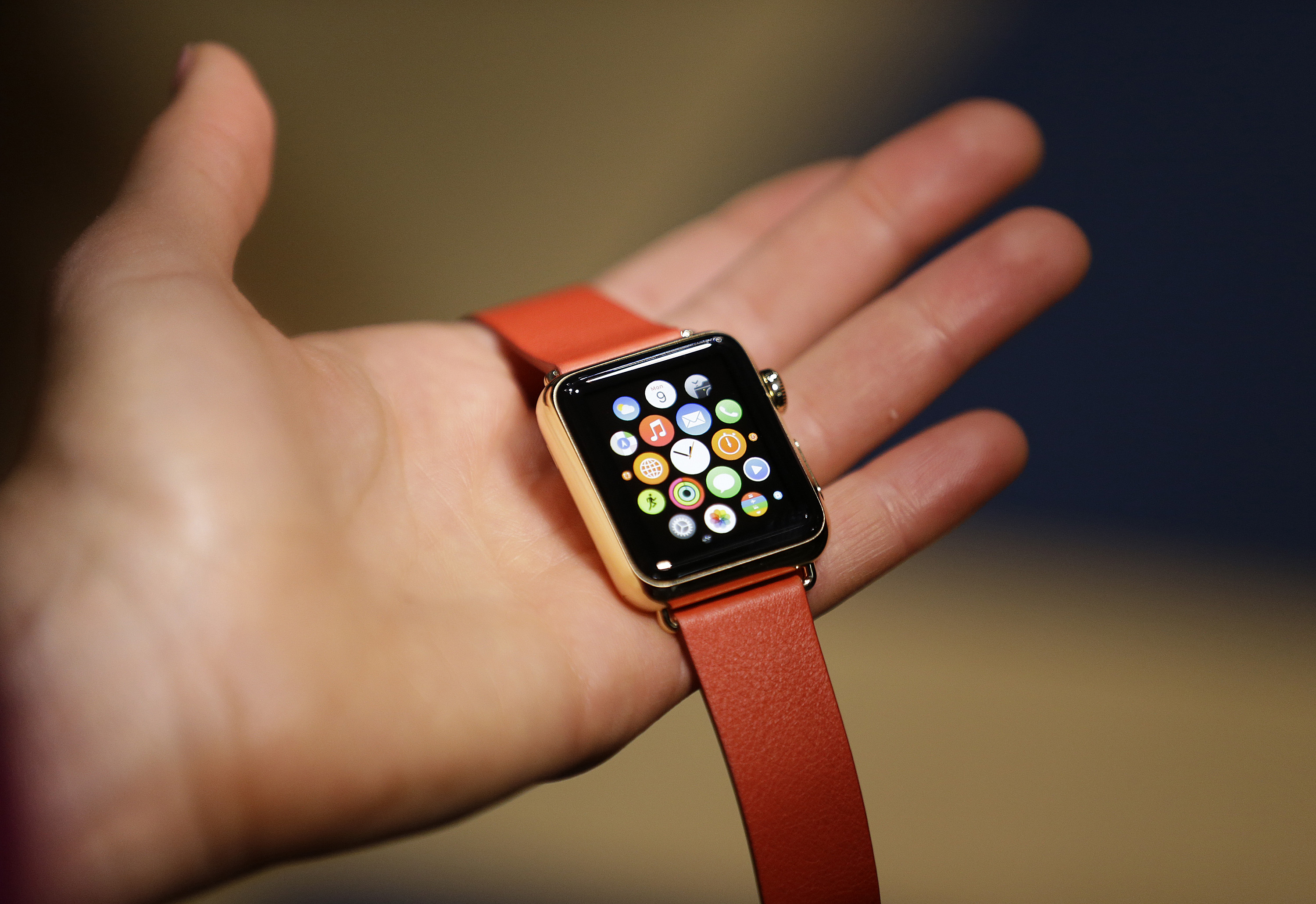 How does Apple Watch stack up vs rival watches? – The ...