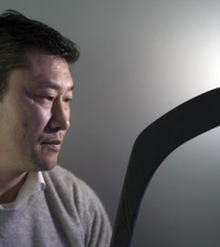 The coach of the men's national ice hockey team, Jim Paek, poses after an interview with The Korea Times at the Korean Olympic Committee headquarters in Songpa District, Seoul, Feb. 25.  (Korea Times photo by Choi Won-suk)