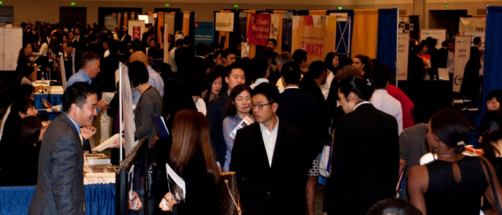 Over 7,000 participants were expected to attend the 2015 4th Hiring Fair Friday in Los Angeles. (Brian Han/Korea Times)