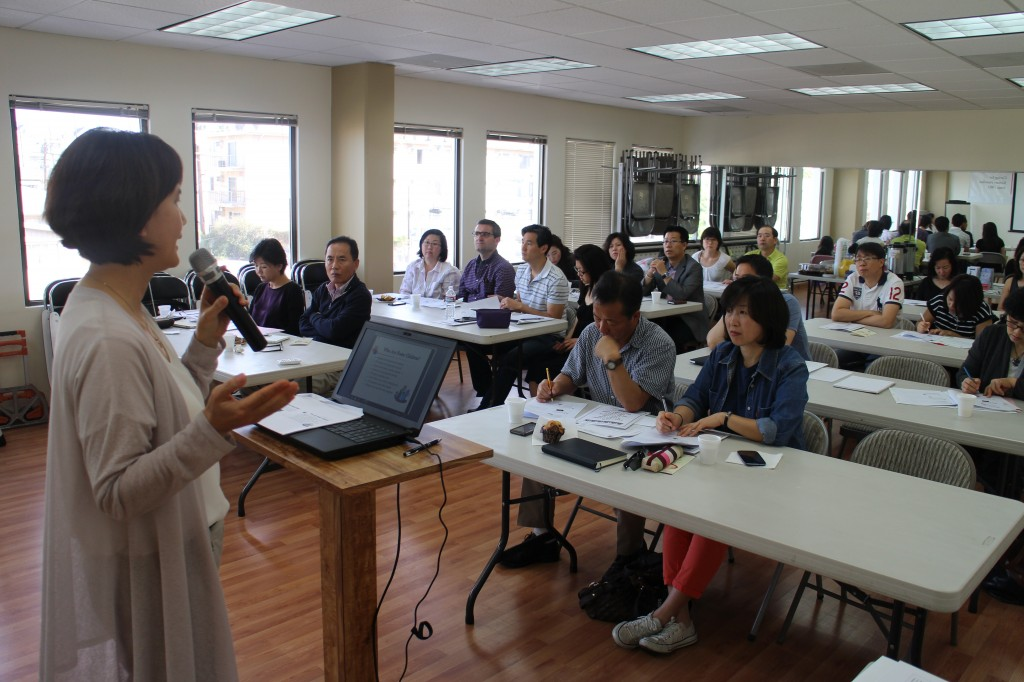 KFAM and DCFS hold an information session for about 30 people interested in becoming licensed foster parents. (Kim Chul-soo/Korea Times)