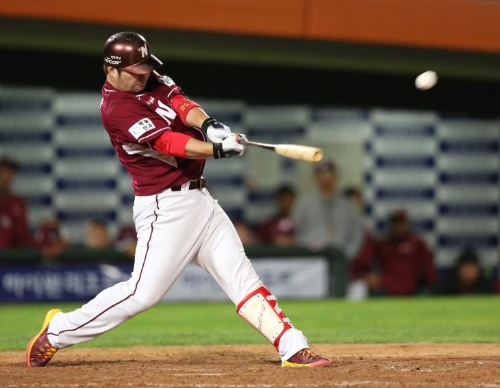 Park Byung-ho, first baseman of the Nexen Heroes  hit 52 home runs last season. (Yonhap)
