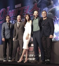 Mark Ruffalo, Chris Evans, Robert Downey Jr, Joss Whedon, Claudia Kim