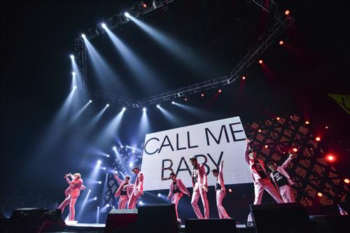 """EXO performs """"Call Me Baby"""" (Yonhap)"""