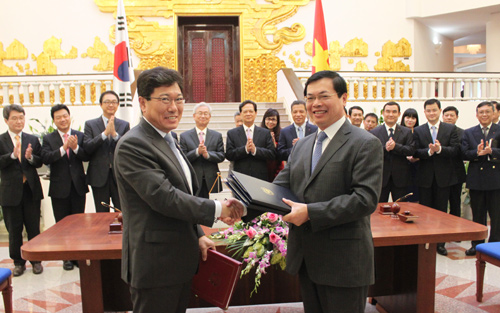S Korea Vietnam Sign Bilateral Free Trade Agreement The Korea Times