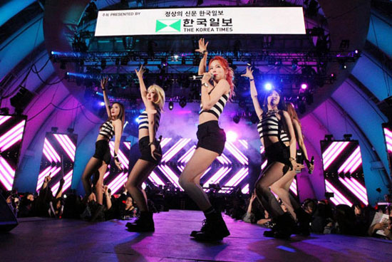 EXID performs at the 13th Korea Times Music Festival Saturday at the Hollywood Bowl. (Korea Times)